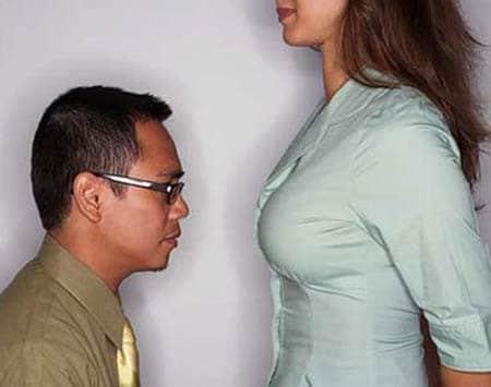 20180118202258 7039853 dan ong thich nhin nguc phu nu 2 - 1000 lý do đàn ông thích sờ ngực và hôn vùng kín phụ nữ