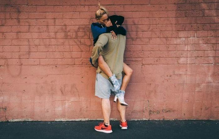 """20180125084627 1146776 hon dung cach 2 - Nghiên cứu khoa học về cách hôn, đàn ông muốn có được phụ nữ phải """"biết hôn""""!"""