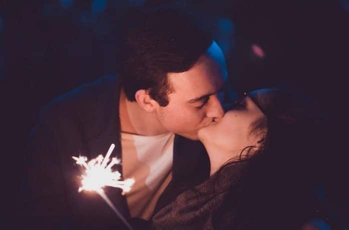 """20180125084627 8550320 hon dung cach hai phong - Nghiên cứu khoa học về cách hôn, đàn ông muốn có được phụ nữ phải """"biết hôn""""!"""