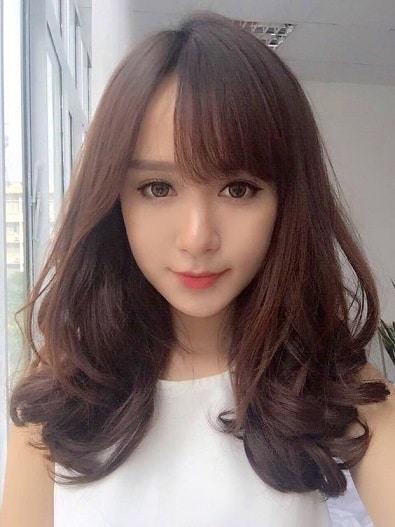 20180205194554 3727722 con gai toc dai quyen ru 1 - Đàn ông thích phụ nữ tóc ngắn hay tóc dài? Con gái có nên để tóc dài không?