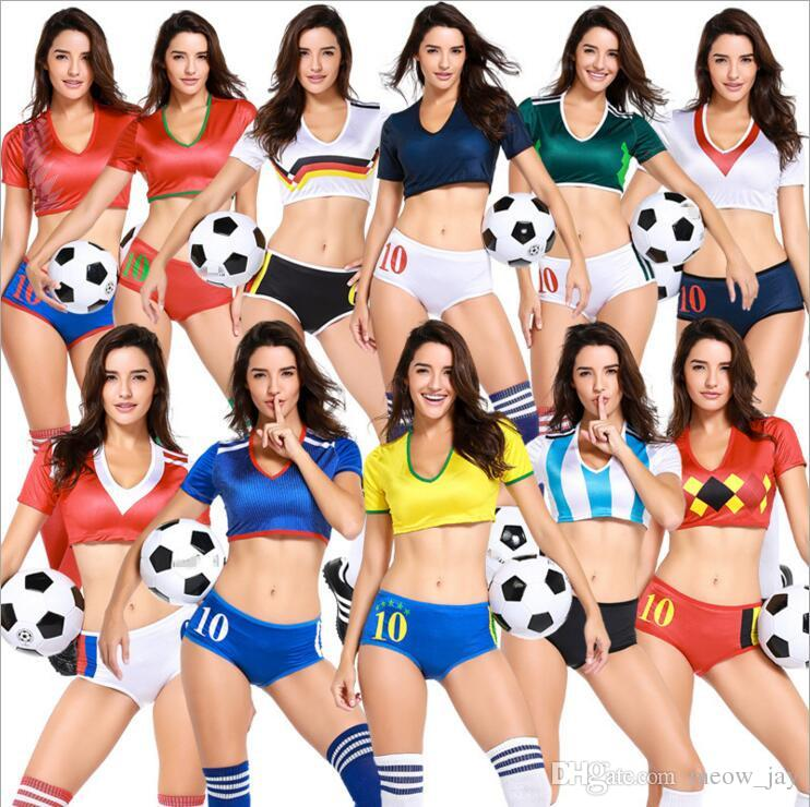 """20180624161009 1820780 yeu kieu bong da 2018 - Phong cách """"yêu"""" kiểu… bóng đá"""