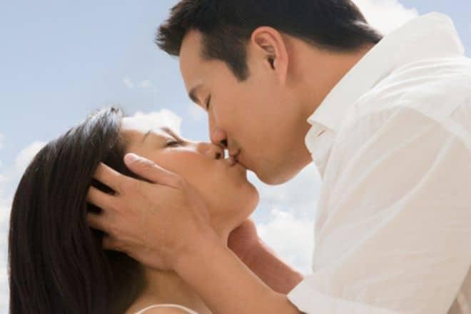 20180709214630 1414164 y nghia cua nu hon - Ý nghĩa của nụ hôn môi cho biết tính cách của chàng là người đàn ông như thế nào?