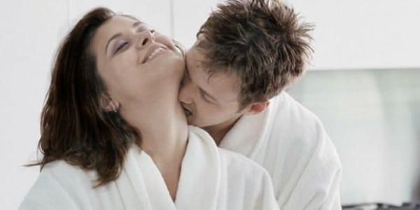 """20180722221814 6386200 can yeu trong quan he tinh duc1 - Nghệ thuật """"cắn yêu"""" trong quan hệ tình dục"""