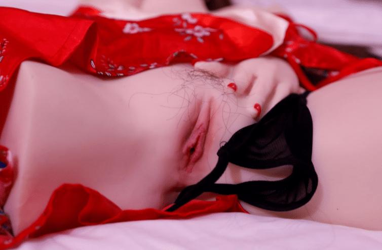 20191225112248 4356714 bup be tinh duc cong chua ngu trong rung 4 1 - Búp bê tình dục cao cấp mới ra mắt năm 2020